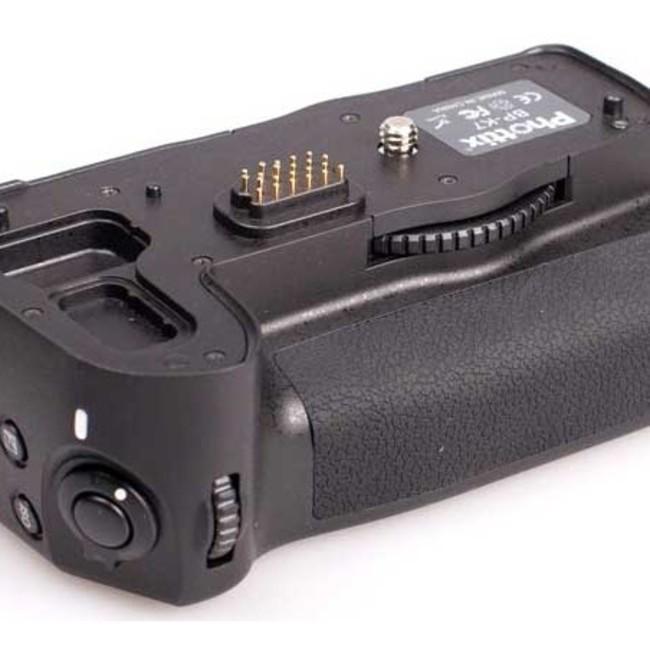 Многофункциональная аккумуляторная рукоятка Phottix BP-K7 для Pentax K7 (Батарейный блок D-BG4)